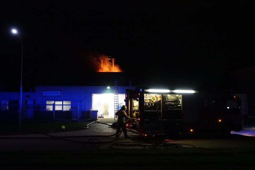 <p>Brandweer rukt uit met groot materieel.</p> <p>Foto: Inter Visual Studio / Danielle Rood</p> © rodi