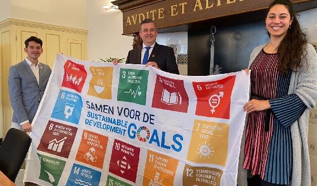 <p>Innovatieraad Alkmaar op bezoek bij burgemeester Emile Roemer.</p>