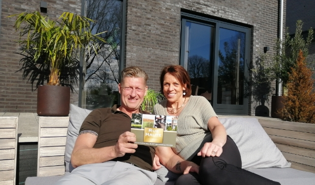 <p>Marco en Marga Buis genieten nog even van hun woning in Edam, maar kijken vooral uit naar hun avontuur in Belgi&euml;.</p>