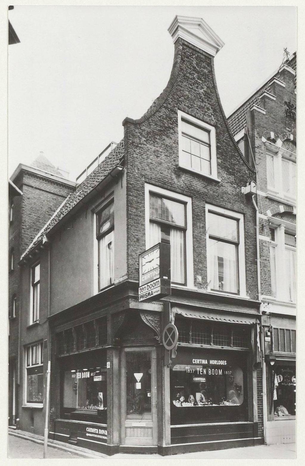 Het huis van de familie Ten Boom aan Barteljorisstraat 19. (Foto: Noord-Hollands Archief) © rodi