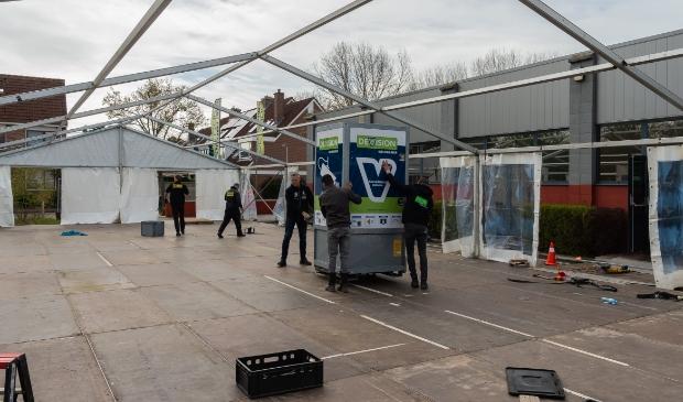 <p>De opbouw van de tent ging als een speer.</p>
