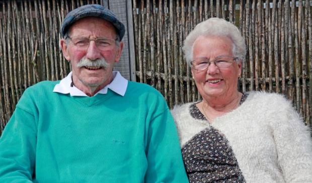 <p>Henk en Nel zijn zestig jaar getrouwd, maar van een echt feest is helaas geen sprake.</p>