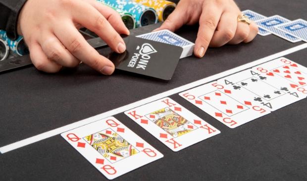 <p>De winnaar van de online voorronde krijgt de titel 'Online Pokerkampioen van Winkel 20/21'.</p>