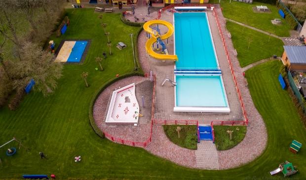 <p>Het Zwembad in Midwoud.</p>