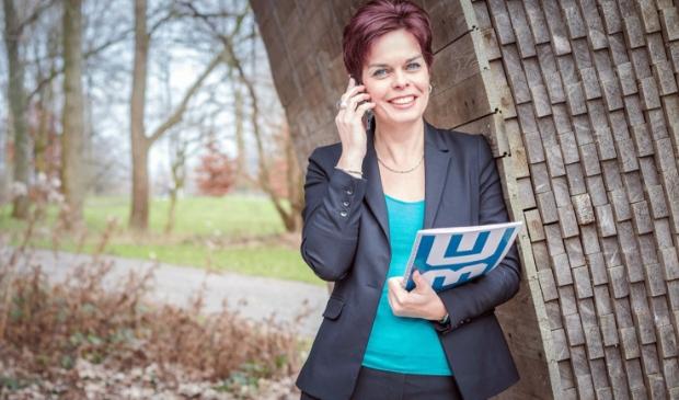 <p>Brenda Eerdhuijzen : &ldquo;Als secretaresse leer je alle lagen van een bedrijf kennen omdat je automatisch bij nieuwe projecten wordt betrokken.&quot;</p>