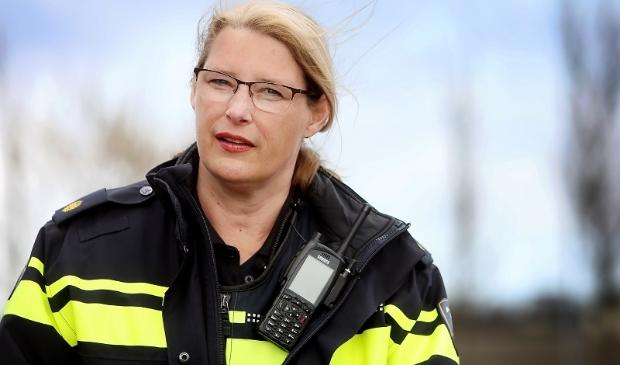 <p>Wijkagent Linda Manshanden.&nbsp;</p>