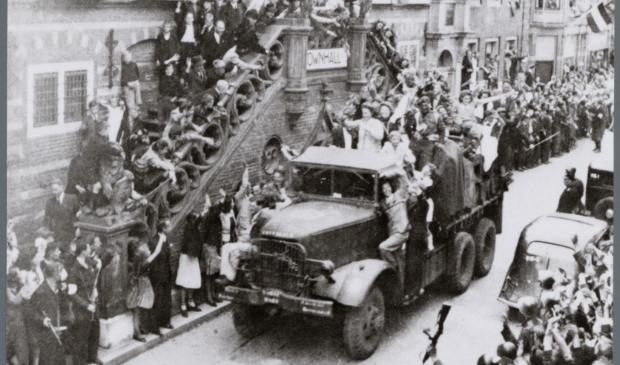 De Canadezen komen Alkmaar binnen