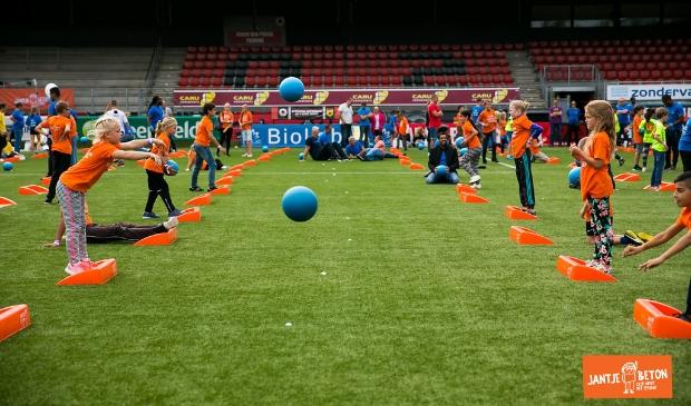 <p>Voorronde wordt gespeeld op handbalvelden van JHC.&nbsp;</p>