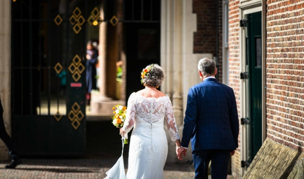 Burgemeester Jos Wienen stapte vrijdag 9 april in het huwelijksbootje.