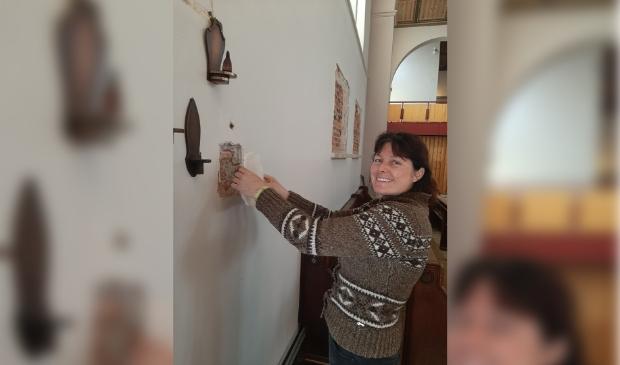 <p>Kunstenares Danielle van Assema-Vet heeft de voormalige RK-kerk Onze Lieve Vrouw Geboorte en de begane grond van het parochiehuis als atelierruimte ter beschikking gekregen.</p>
