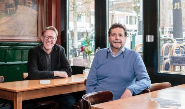 <p>Henry Wassink (links) en Hans Preeker zijn de nieuwe voorzitters.</p>