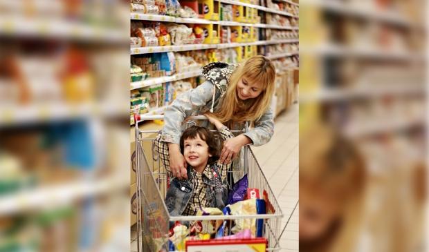 <p>Snel door de supermarkt met je kind en ook nog etiketten lezen? Dit kan en leer je in de webinar Hoe overleef ik de supermarkt?</p>