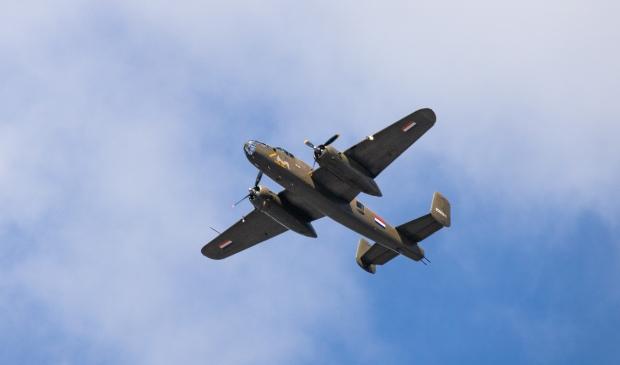 <p>De Bommenwerper uit WOII die gisteren op 5 mei, Bevrijdingsdag, over Haarlem vloog. </p>