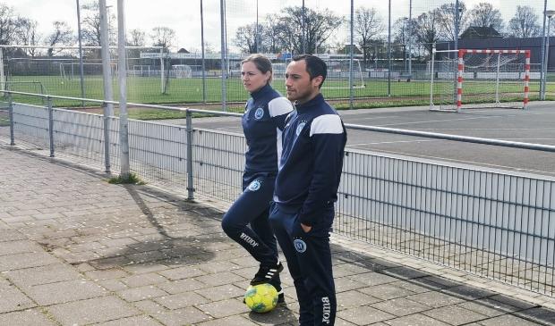 <p>De vrouwenselectie van FC Marl&egrave;ne staat ook komend seizoen onder leiding van Monique van der Rijst en Johnboy Veken </p>
