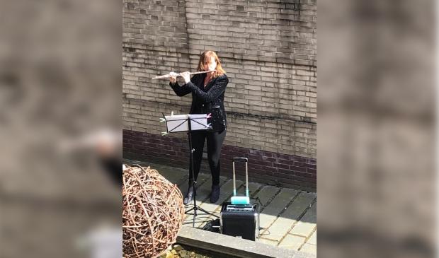 Fluitiste Mariël van den Bos.
