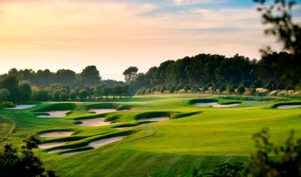 <p>De prachtige Real Club de Golf El Prat nabij Terrassa is een must voor de fijnproevers.</p>