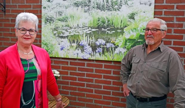 <p>Vrijwilligster Bezoekwerk Marijke Dekker en voorzitter Dave de Koster van de Zonnebloem afdeling Heerhugowaard.</p><p><br></p>