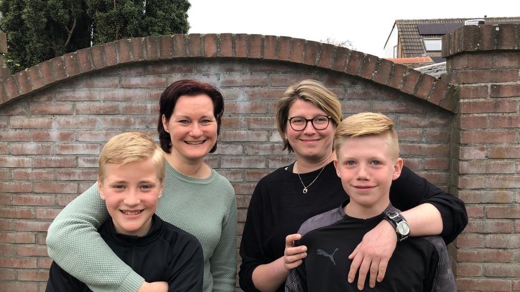 Anne-Marie en Quinn en Anneke en Sven hebben een missie: geld inzamelen voor onderzoek naar kanker. (Foto: Aangeleverd) © rodi