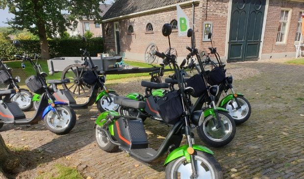 <p>De elektrische scooters vinden gretig aftrek.</p>