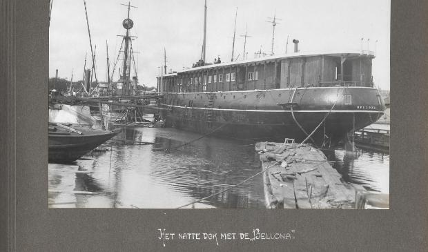 Het natte dok met de Bellona.