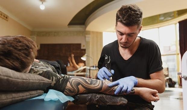 Dit zijn de meest bijzondere Oranje-tattoos.