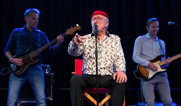 <p>Streekgenoot Harry Slinger en zijn vaste band Drukwerk staat zaterdag op de planken van De Bullekerk.</p>