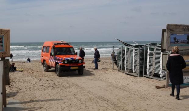 <p>Hulpdiensten op het strand van Castricum aan Zee.</p>