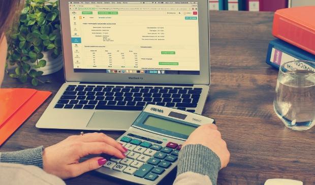<p>Stand-by Hoorn helpt u graag om meer grip op uw financi&euml;le of sociale leven te krijgen.&nbsp;</p>