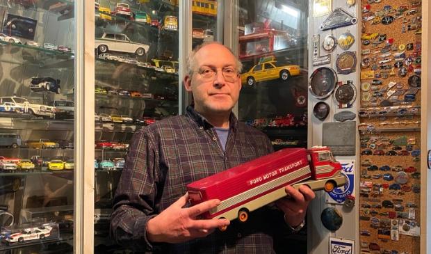 <p>Eddy van der Meer kun je gerust mister Ford noemen. Zijn verzameling omvat duizenden autootjes. &nbsp;</p>