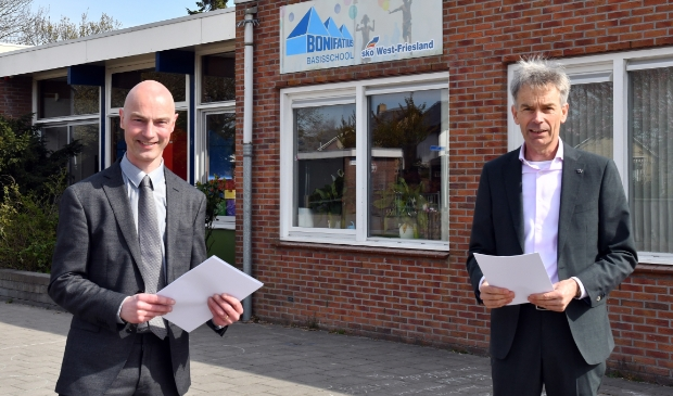 <p>Wethouder Tesselaar van de gemeente Opmeer en de heer Wijker (SKOWF).</p>
