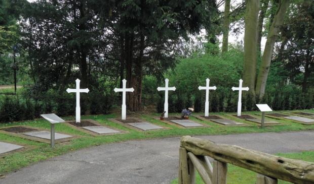 <p>Graven van de gesneuvelden op Duinrust.</p>