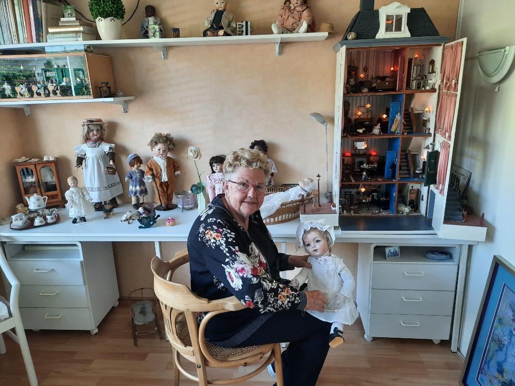 Gerda heeft een eigen kamer waar ze een soort droomwereld heeft geschapen, met zelfgemaakte poppen.&nbsp; <h2>(Foto: Ed Bausch)</h2> © rodi