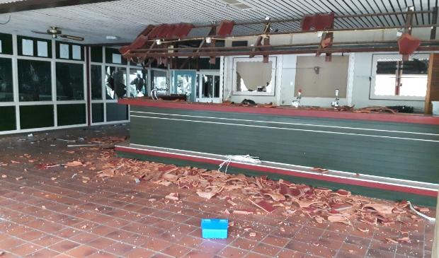 <p>Vandalisme gezien? (Zoals het geval was in de leegstaande sporthal De Sprong in Westerkoog die even later in vlammen opging) Staattoezicht is nu ook buiten kantooruren bereikbaar.&nbsp;&nbsp;</p>