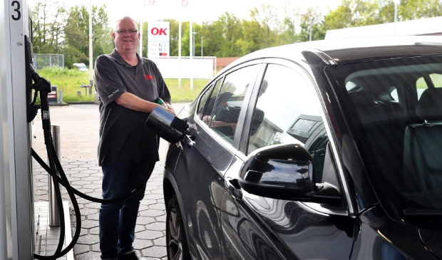 <p>Willem is sinds 1986 het gezicht van het tankstation aan de Nollenweg.</p>