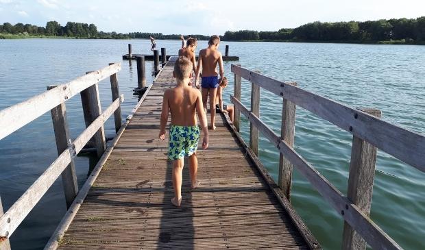<p>Waar kun je veilig buiten zwemmen in Haarlem?</p>