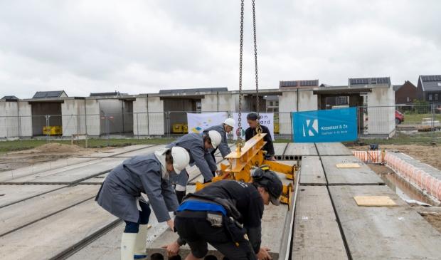 <p>De bouw van zestien zorgwoningen die Woonwaard ontwikkelt voor Esd&eacute;g&eacute;-Reigersdaal vordert gestaag </p>