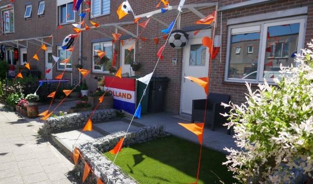 <p>Ook in de Boris Pasternakstraat in Schalkwijk zijn ze klaar voor het EK!</p>