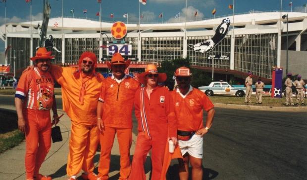 <p>Samen in 1994 met vrienden naar het WK in Amerika.</p>