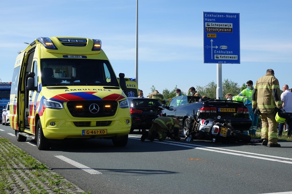 Ambulance is snel ter plaatse. (Foto: Inter Visual Studio / Danielle Rood)<br><br> © rodi
