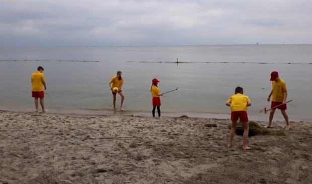 <p>De jeugdleden hebben afgelopen zaterdag het hele strand opgeruimd.&nbsp;</p>