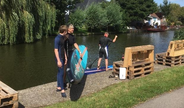 <p>Vanaf de kade vertrek je met een kano of supboard en ben je binnen twee minuten in een prachtige, groene omgeving.</p>