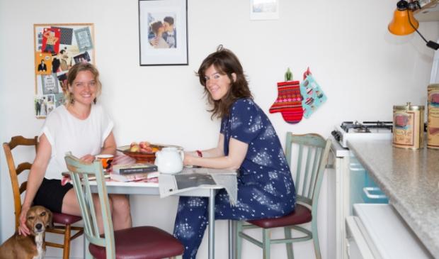 <p>Eva en Renee Kelder staan je weer live te woord in het Schrijfcaf&eacute;.</p>