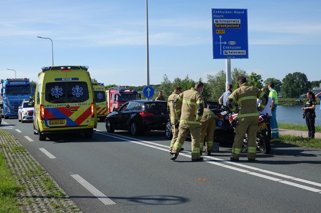 Zwaar ongeluk met meerdere auto&#39;s en motor. (Foto: Inter Visual Studio / Danielle Rood)<br><br> © rodi