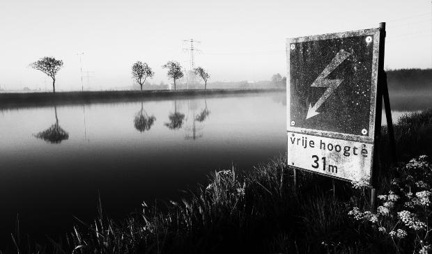 <p>&#39;Opgepast met bootje varen&#39;, Noordhollandsch Kanaal.</p>