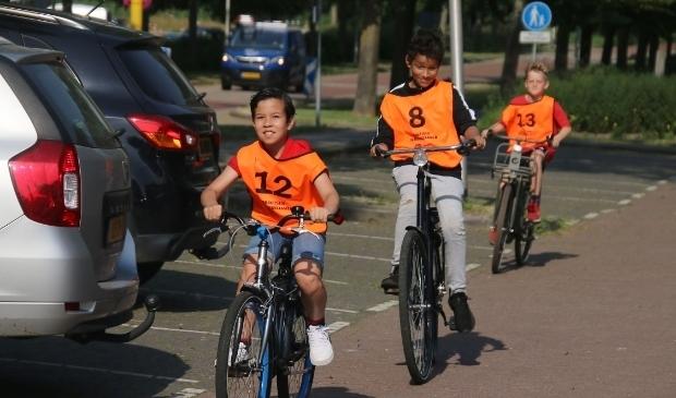 <p>Deze maand doen 1.150 leerlingen uit groep 7 en 8 in de gemeente Alphen aan den Rijn mee aan het verkeersexamen.&nbsp;</p>