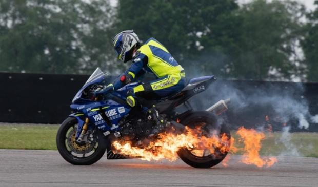 <p>Het motorblok ging stuk en vatte vlam.</p>