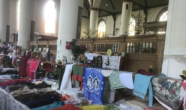 <p>Kom ook naar de markt in de Bonifaciuskerk. Er is zoveel aanbod.</p>