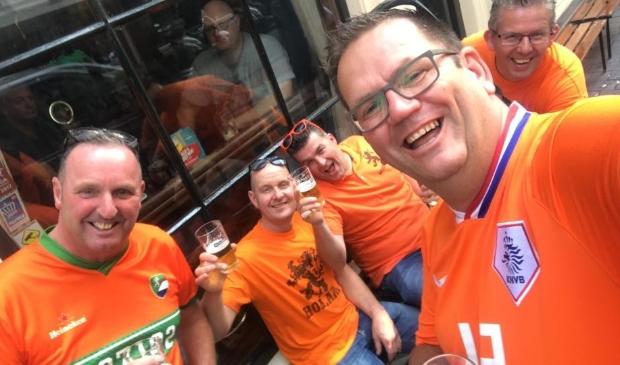 Eric (r) bezocht in 2018 met zijn vrienden de wedstrijd van Oranje tegen Duitsland in de Nations League.