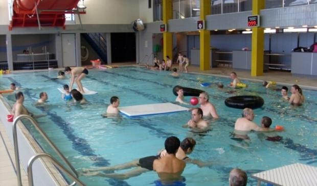 <p>Het zwembad van het centrum in Amsterdam-Noord heeft alle faciliteiten.</p>