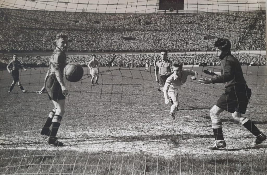 Piet Groeneveld speelde drie interlands voor Oranje: tegen België, Finland en Noorwegen. Alle drie in 1951.  (Foto: Archief) © rodi